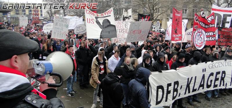 bl1314-15 Demo gegen SV-Richtlinien --- 010